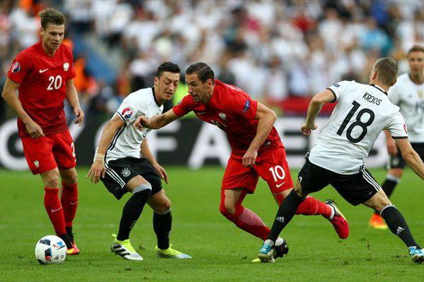 من مباراة ألمانيا وبولندا
