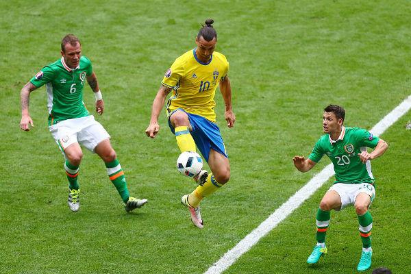 إبراهيموفيتش في مباراة السويد وجمهورية إيرلندا