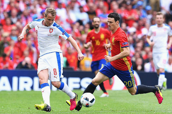 مهاجم إسبانيا المخضرم أدوريز في مباراة التشيك