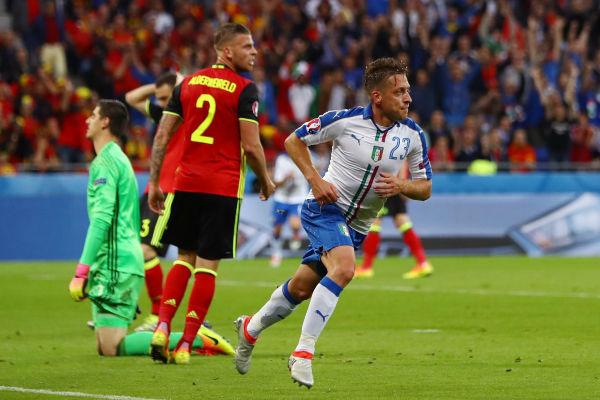 فرحة جاكيريني بهدف التقدم لإيطاليا على بلجيكا