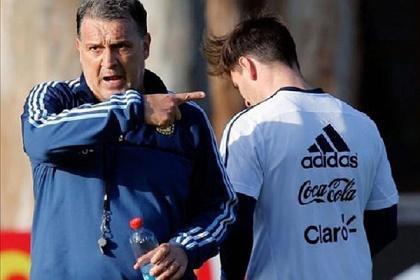 مارتينو يرد على مارادونا دفاعاً عن ميسي
