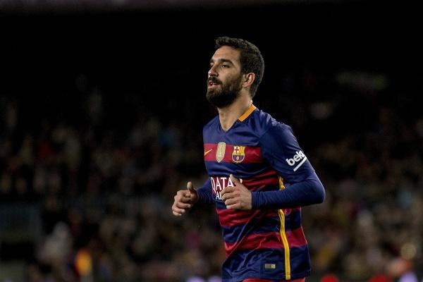 النجم التركي أردا توران، متوسط ميدان فريق برشلونة الإسباني
