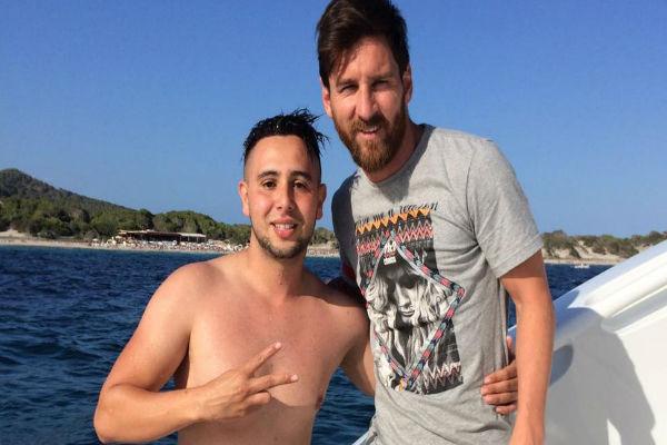 النجم الأرجنتيني مع الشاب سولي