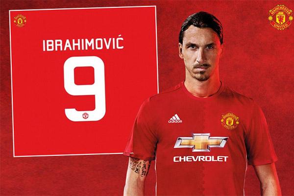 اختار المهاجم السويدي إبراهيموفيتش ارتداء القميص رقم (9) في مانشستر يونايتد