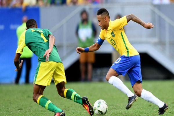 نيمار في مباراة البرازيل الأولى أمام جنوب افريقيا