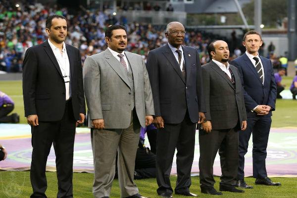 رئيس الاتحاد السعودي وإدارتا الهلال والأهلي قبل انطلاق اللقاء