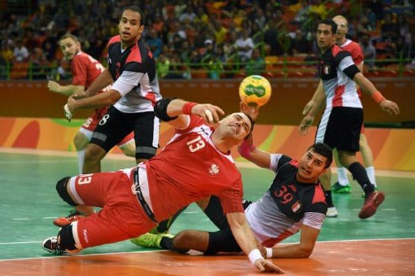 مني المنتخب المصري بخسارته الثانية عندما سقط امام نظيره الروسي