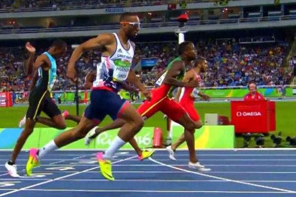 البحريني علي خميس تأهل الى الدور نصف النهائي من سباق 400 م