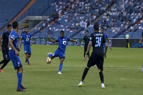 الهلال يخطف فوزاً متأخراً على الباطن في الدوري السعودي