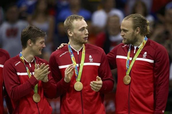 الدنمارك تهزم فرنسا وتحرز ذهبية كرة اليد للرجال