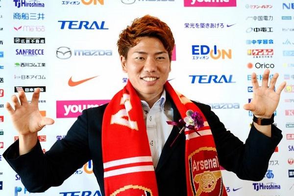 اللاعب الياباني تاكوما أسانو