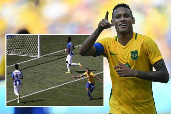 دخل النجم البرازيلي الشاب نيمار دا سيلفا تاريخ الألعاب الأولمبية من الباب الواسع