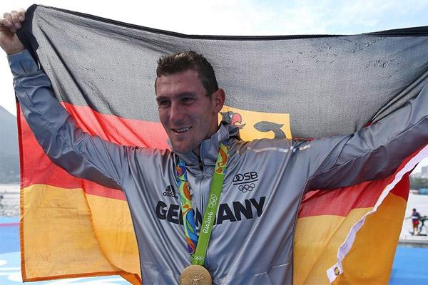 احرز الالماني سيباستيان بريندل ذهبية سباق فردي الكانوي 1000 م