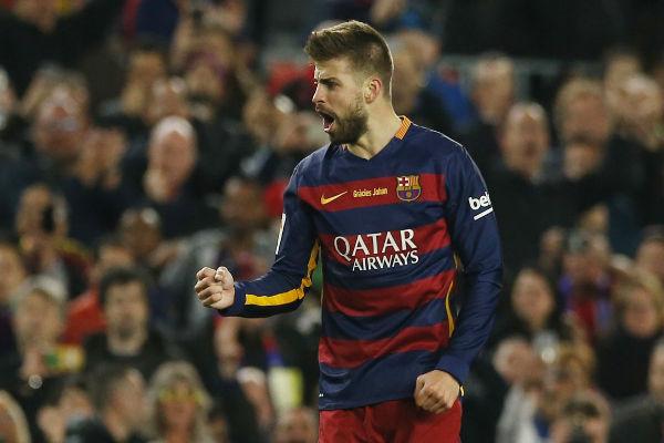 مدافع نادي برشلونة الإسباني جيرارد بيكيه