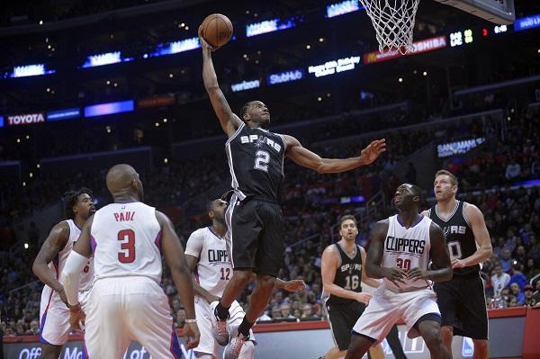 سان انتونيو يكتسح ليكرز في دوري السلة الأميركي