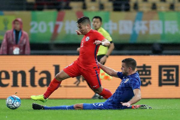 تشيلي تلحق بآيسلندا إلى نهائي دورة الصين الدولية