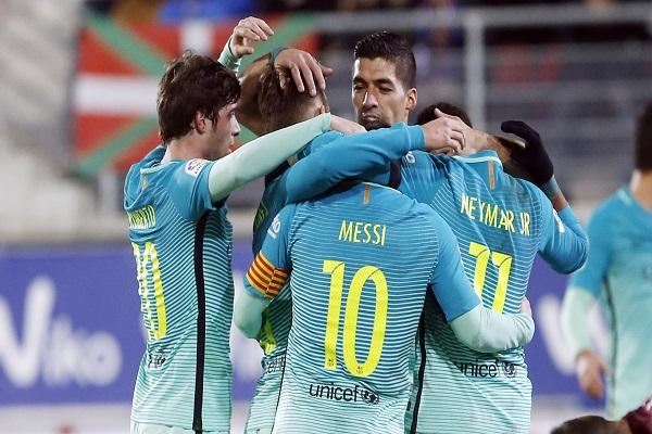 برشلونة لحسم تأهله