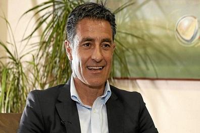 مدريدي سابق يرفض خلافة إنريكي في تدريب برشلونة