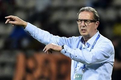 ليكنز يستقيل من تدريب الجزائر بعد الإقصاء من كأس أفريقيا