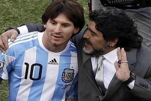 صورة أرشيفية تجمع بين مارادونا وميسي