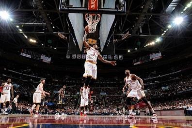 كليفلاند كافالييرز يستعيد توازنه في الـ NBA