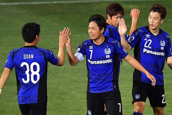 حقق غامبا أوساكا الياباني بداية جيدة لمشواره في دور المجموعات