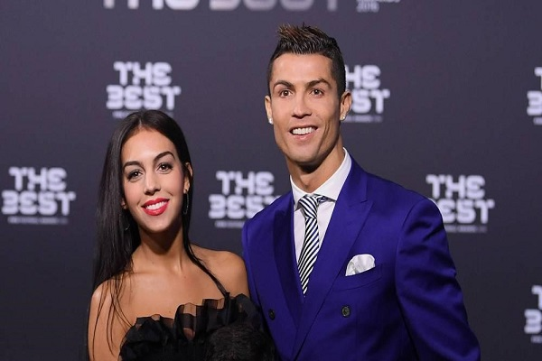 جورجينا رودريغيز وكريستيانو رونالد في حفل توزيع جوائز الفيفا 2017