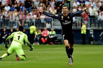 رونالدو يفوز بالدوري في أسوأ مواسمه مع ريال مدريد