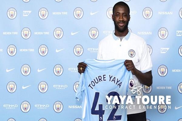 يحيى توريه يمدد عقده مع مانشستر سيتي سنة