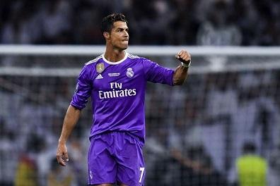 رونالدو الرياضي الأغنى في العالم للعام الثاني بحسب