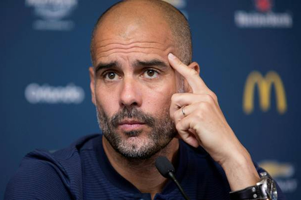 أكد المدرب الاسباني جوسيب غوارديولا ان مانشستر سيتي يرغب في ضم لاعبين جدد في فترة الانتقالات الصيفية