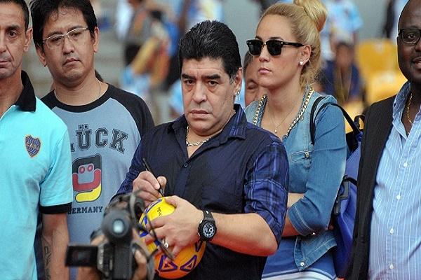 وكيل أعمال مارادونا يحث المشجعين على إحداث ثورة استثمارية كروية