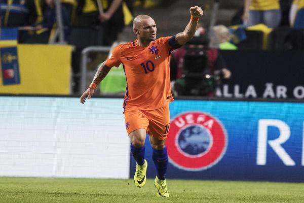 سنايدر يودع المنتخب الهولندي في 6 سبتمبر