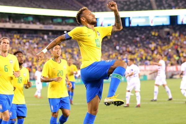 نيمار وفيرمينو يقودان البرازيل للفوز على الولايات المتحدة وديا