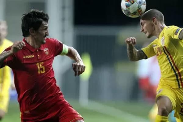 قائد المنتخب المونتينيغري قد سجل خلال فوز مونتينيغرو على ليتوانيا 2-صفر