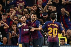 رباعية لبرشلونة أمام ايندهوفن بينها