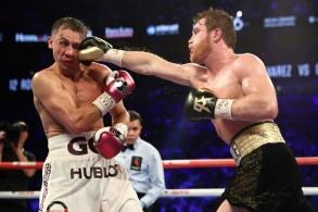 ألفاريز يطيح بغولوفكين للقب الوزن المتوسط في الملاكمة
