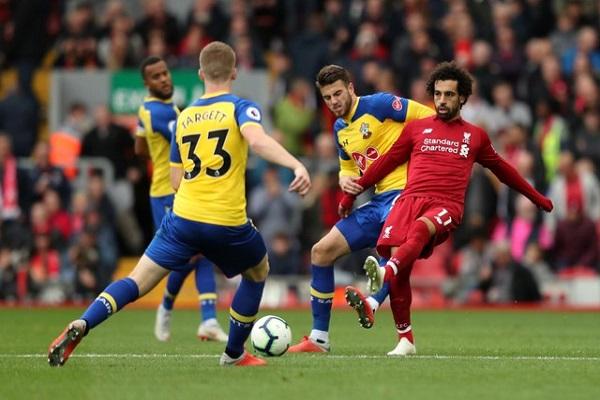 ليفربول حقق فوزه السادس تواليا وانفرد مؤقتا في الصدارة