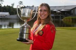 الإسبانية سيليا باركين أروسامينا (22 سنة)، إحدى بطلات الغولف الجامعيات