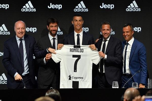 أندريا أنييلي رئيس نادي يوفنتوس يكشف سبب التعاقد مع رونالدو