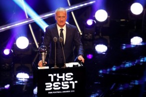 الفرنسي ديدييه ديشان يتوج بجائزة أفضل مدرب في العالم
