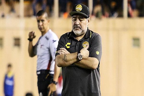 مارادونا المتوتر يتلقى خسارة أولى كمدرب لدورادوس المكسيكي
