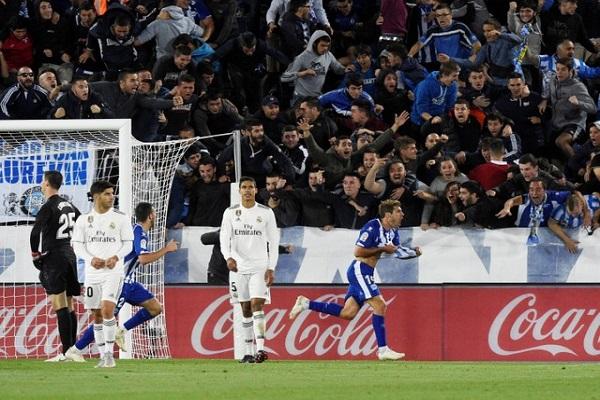 ألافيس يُسقط ريال مدريد في الوقت بدل الضائع