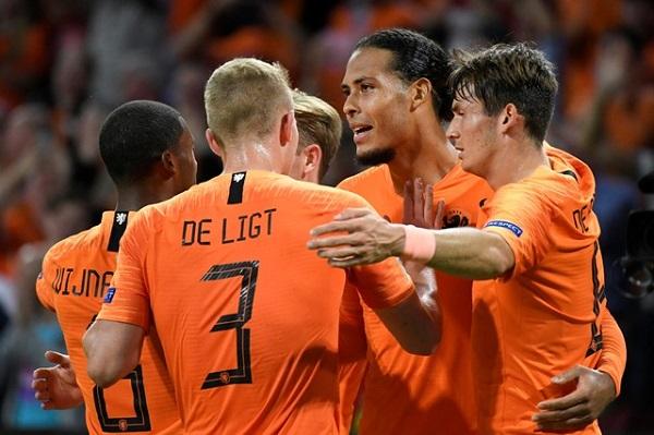 هولندا تعمق جراح ألمانيا وتكتسحها بثلاثية