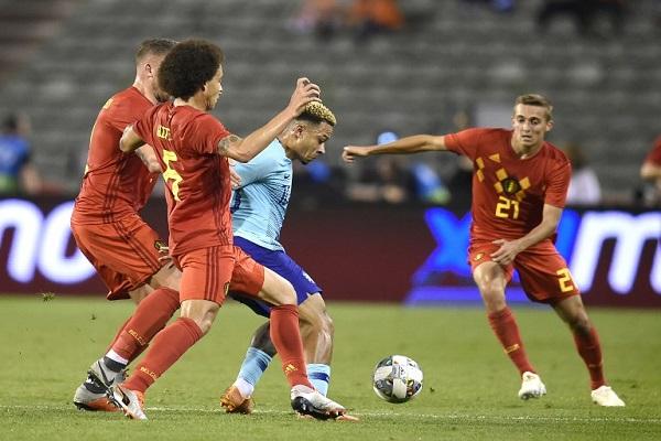هولندا تعود بتعادل إيجابي من بلجيكا