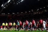 تغريم مانشستر يونايتد وتحذير مدربه لتأخر انطلاق مباراته مع فالنسيا