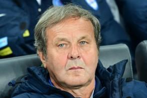 استقالة مدرب سلوفاكيا بعد الخسارة أمام تشيكيا