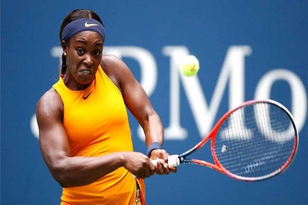 ستيفنز تدعم تغيير قواعد التدريب في ملاعب كرة المضرب