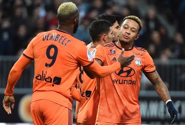 الهولندي ممفيس ديباي ينقذ فريقه ليون من الخسارة