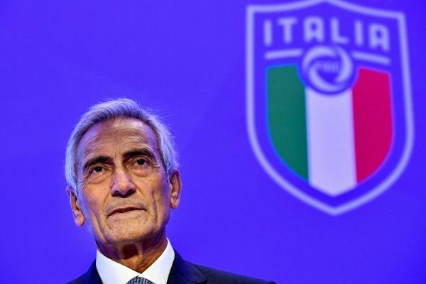 غابرييلي غرافينا بعيد انتخابه رئيسا للاتحاد الإيطالي لكرة القدم،